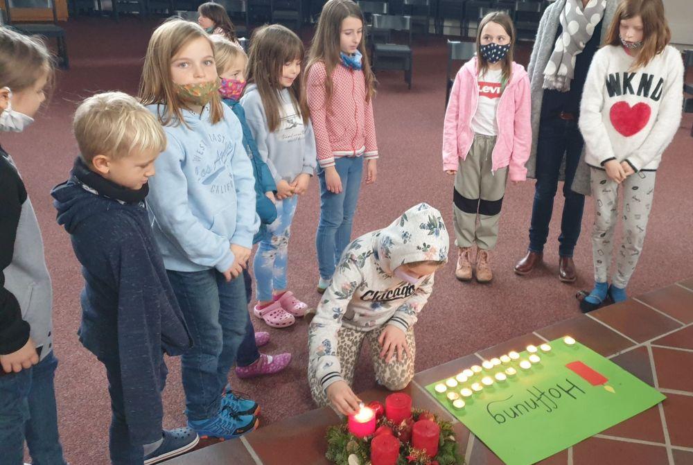 Bild:Vier Kerzen im Advent